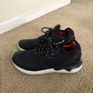 Adidas Tubular sneakers kid size 2.5
